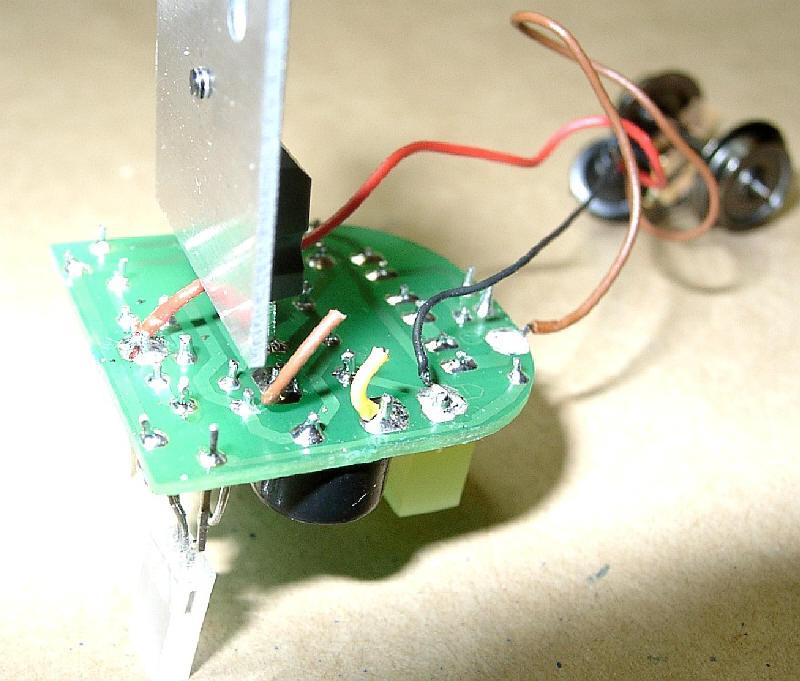 Verdrahtung und Anschluss der LED-Schlussbeleuchtungsplatine mit dem ...